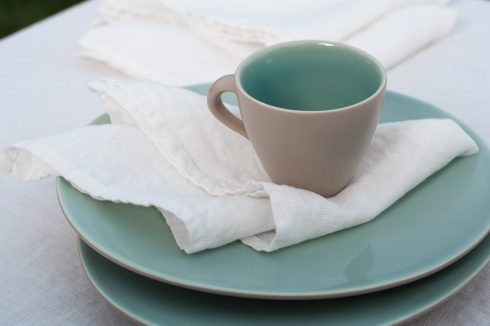 Lininė balta servetėlė, skalbta.