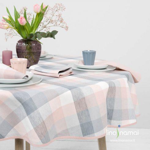 Apvalios, ovalios languotos staltiesės rausvi, pilki langeliai gražiai dera su rožiniu kanteliu - Lino Namai