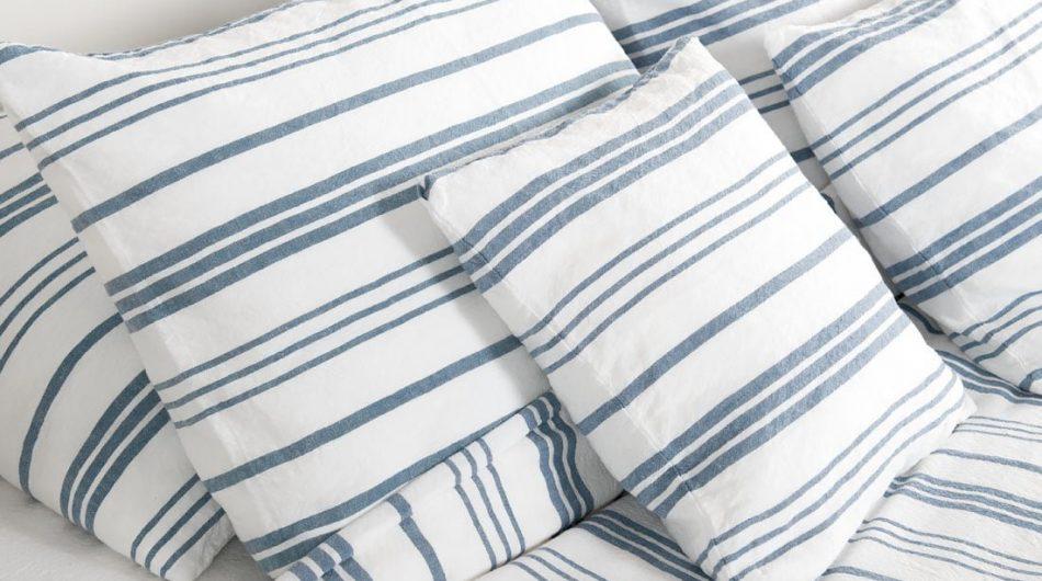 Lino - medvilnės patalynė ryškiai balta su mėlynais dryžiais